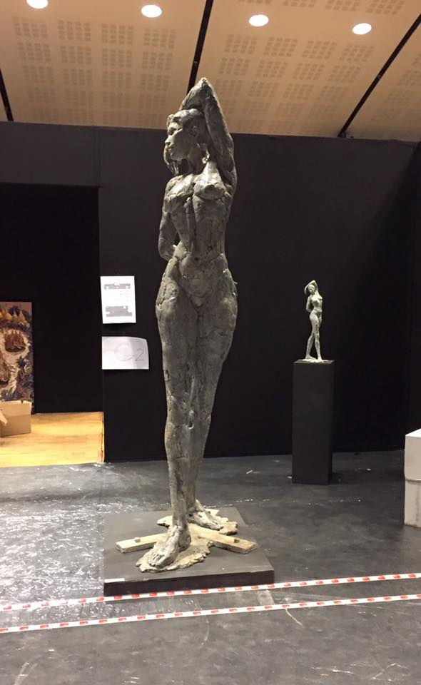 Grande Verticale, Elisabeth Cibot's last monumental sculpture is exhibited at the salon de la Société Nationale des Beaux-Arts