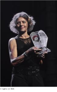 Prix international d'Hommage à Yvette Horner  Création Élisabeth Cibot, sculpteur.