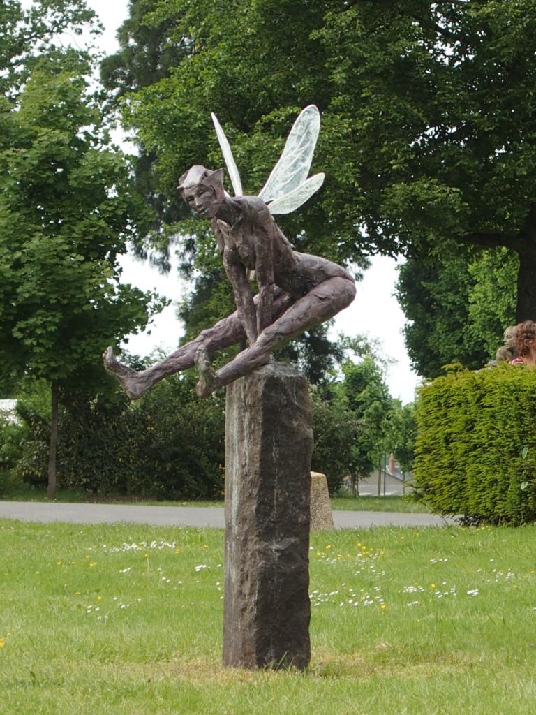 Elfe du tertre au Monnier - Bronze et ailes de cristal
